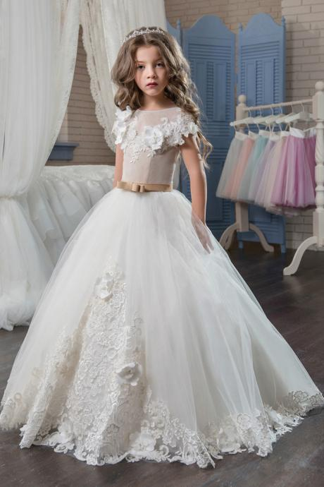 2017 Elegant First Communion Dresses for Girls Applique Princess Tulle Lace Hem Kids Graduation Pageant Communion Ball Gown