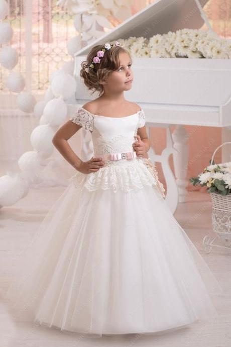 2018 Hot Sale Ivory Flower girl Dresses Off the shoulder short sleeves ball gown first communion dresses for girls pageant gown