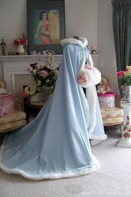 2020 Long Christmas Wedding Cloaks Jackets Faux Fur Graceful Hooded Winter Warm Wedding Accessories Long Shawl Ivory Bridal Wraps