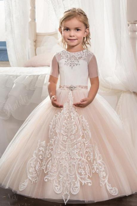 2020 Ball Gown Flower Girls Dresses For Wedding Short Sleeve Lace Appliques Little Girls Pageant Gowns First Communion Dress