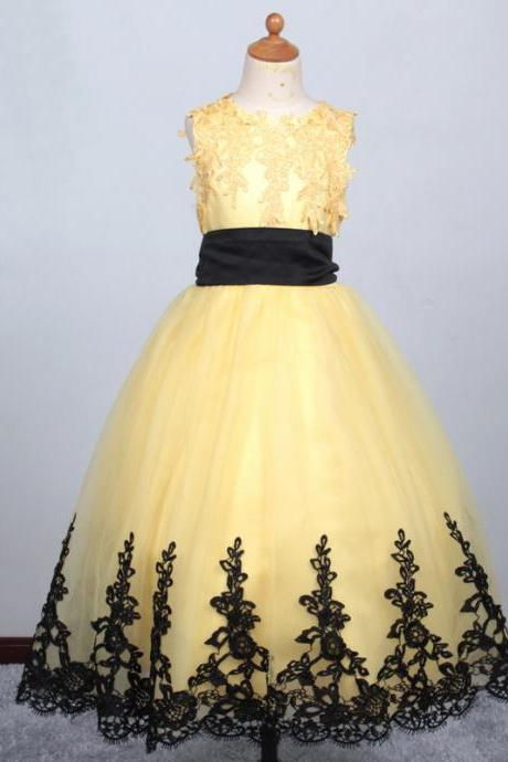2020 Yellow Ball Gown Flower Girl Dresses With Lace Edge Christmas Scoop Sleeveless evening First communion Dresses Custom Make