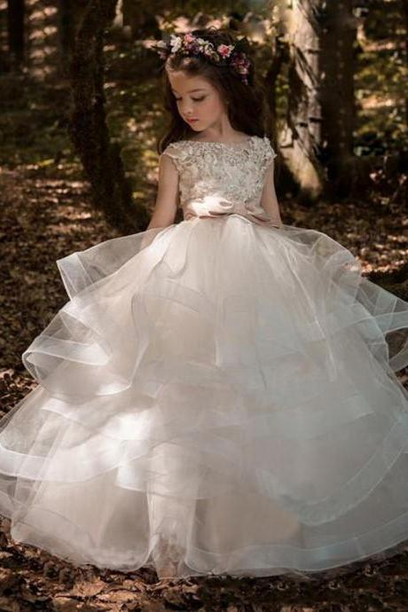 Tiered Flower Girl Dresses Ball Gown Bateau Cap Sleeve Floor Length Girls Pageant Dresses With Applique Beads For Wedding Party